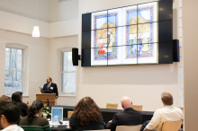 Dr. Omid Safi presents a slideshow to students and faculty of Lehigh University on Muslim refinement